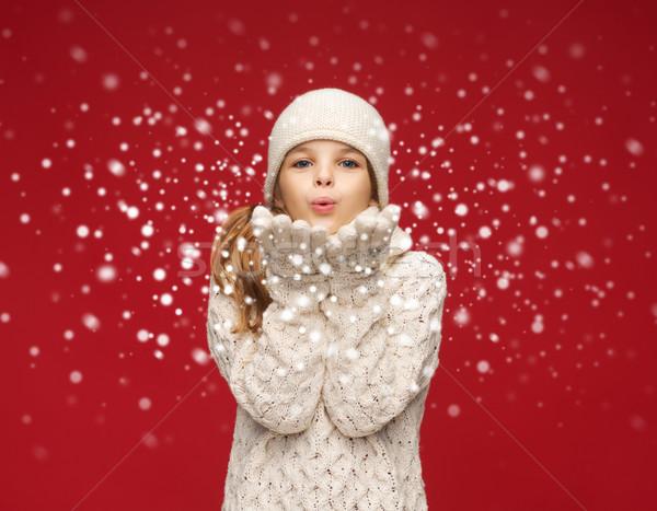 Boldog lány tél ruházat fúj pálmafák karácsony Stock fotó © dolgachov