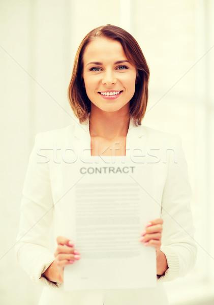 Mujer de negocios contrato negocios inmobiliario oficina Foto stock © dolgachov
