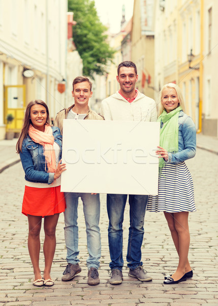 Groep glimlachend vrienden reizen vakantie Stockfoto © dolgachov