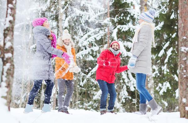 Grup mutlu arkadaşlar oynama orman sevmek Stok fotoğraf © dolgachov