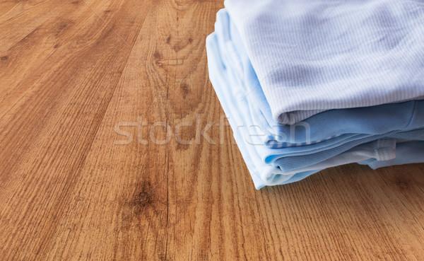 Stockfoto: Baby · jongens · kleding · pasgeboren · tabel