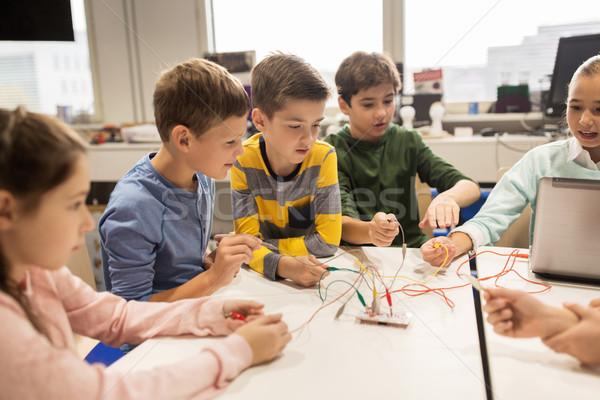 Ninos invención robótica escuela educación Foto stock © dolgachov