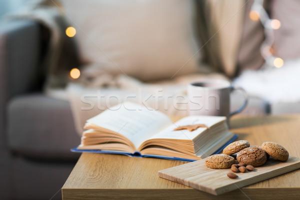 Stockfoto: Haver · cookies · amandelen · boek · tabel · home