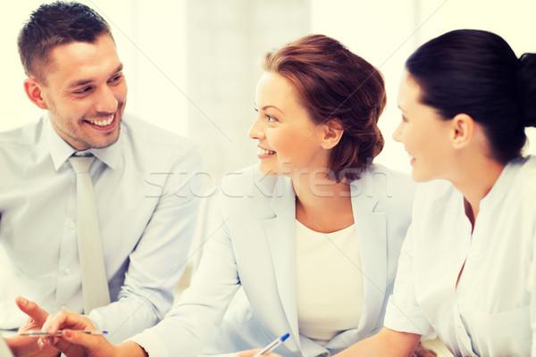 ビジネスチーム 議論 オフィス 優しい ビジネス 男 ストックフォト © dolgachov
