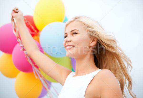 Vrouw kleurrijk ballonnen buiten zomer vakantie Stockfoto © dolgachov