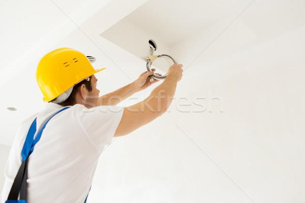 Stock fotó: Közelkép · építész · villanyszerelő · fut · drótok · javítás