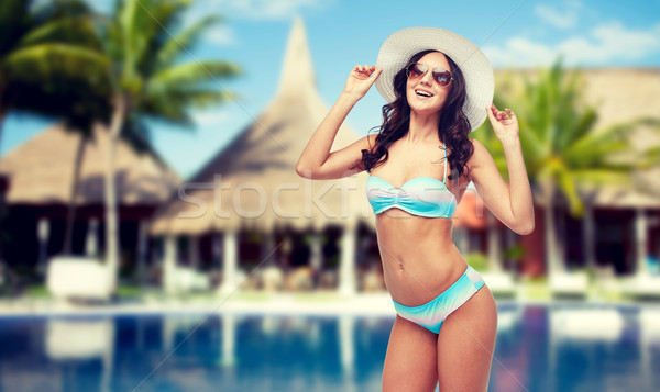 Felice costume da bagno spiaggia persone Foto d'archivio © dolgachov