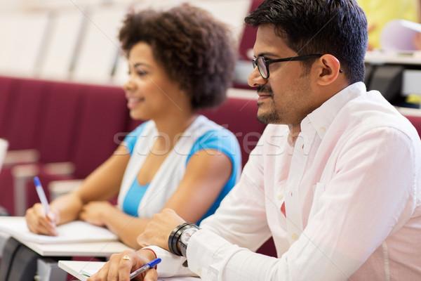 Międzynarodowych studentów notebooki wykład edukacji liceum Zdjęcia stock © dolgachov