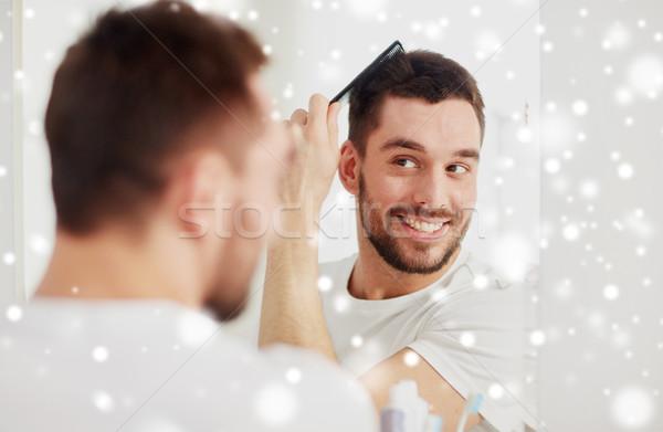 Mutlu adam saç tarak banyo güzellik Stok fotoğraf © dolgachov