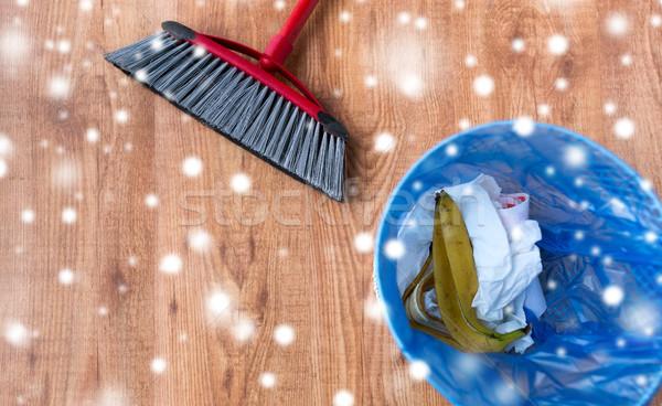 Stockfoto: Onzin · prullenbak · vloer · huishoudelijk · werk · huishouding