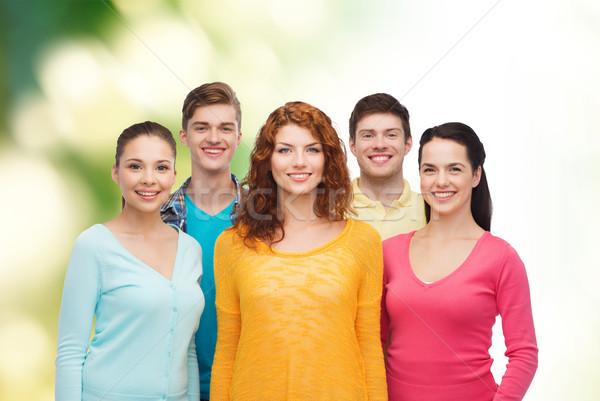 Csoport mosolyog tinédzserek zöld barátság ökológia Stock fotó © dolgachov