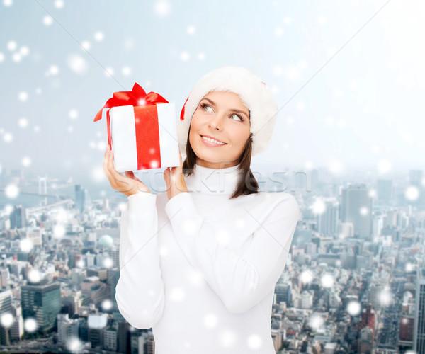 Uśmiechnięta kobieta Święty mikołaj pomocnik hat szkatułce christmas Zdjęcia stock © dolgachov