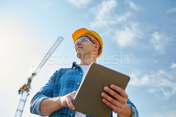 építész munkavédelmi sisak táblagép építkezés üzlet épület Stock fotó © dolgachov