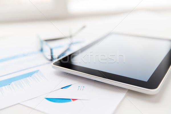 Közelkép táblagép szemüveg akták iroda üzlet Stock fotó © dolgachov