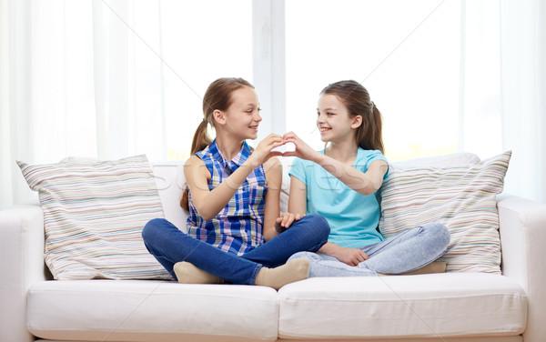 Glücklich Herzform Handzeichen Menschen Stock foto © dolgachov