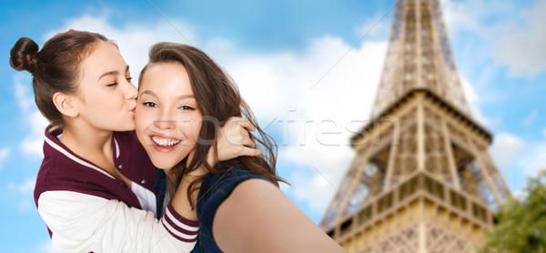 Nastolatki Wieża Eiffla ludzi podróży turystyki Zdjęcia stock © dolgachov