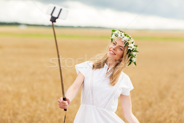 Feliz toma tecnología verano Foto stock © dolgachov