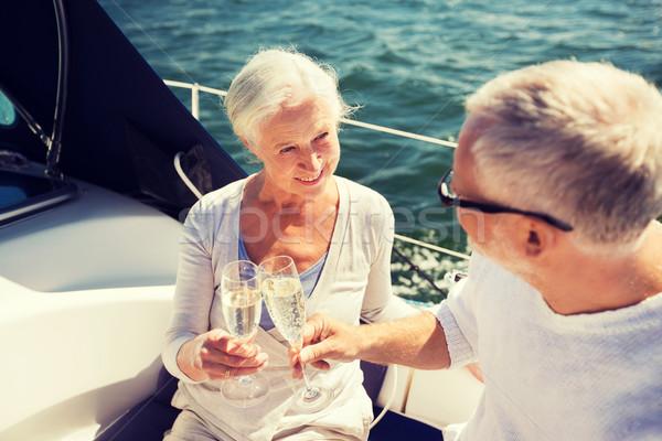 Idős pár szemüveg csónak jacht vitorlázik kor Stock fotó © dolgachov
