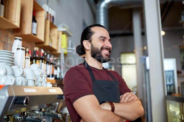 Szczęśliwy człowiek barman kelner bar małych firm Zdjęcia stock © dolgachov