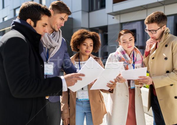 Business internazionale squadra giornali città business istruzione Foto d'archivio © dolgachov