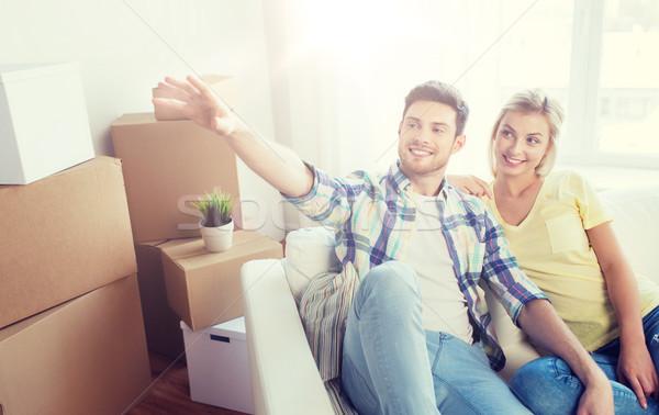 Pár dobozok mozog új otthon álmodik emberek Stock fotó © dolgachov