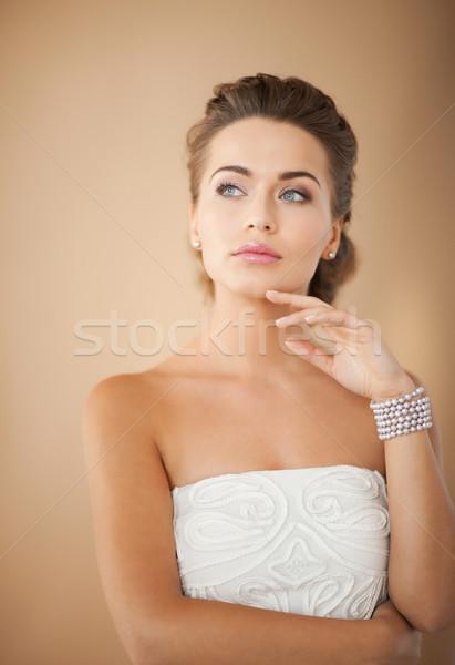 женщину Pearl браслет красивой невеста Сток-фото © dolgachov