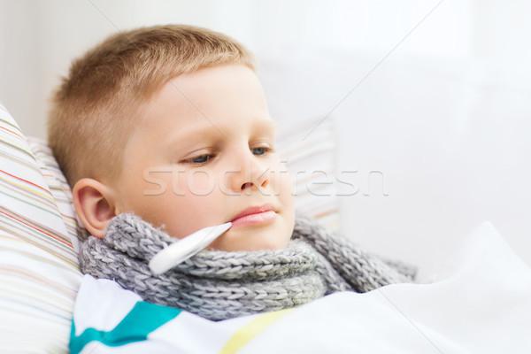 Chłopca grypa domu dzieciństwo opieki zdrowotnej Zdjęcia stock © dolgachov