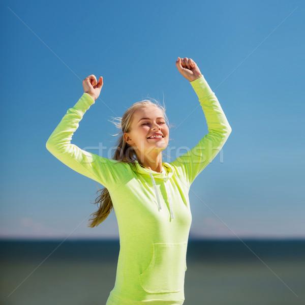 Mujer corredor victoria deporte estilo de vida Foto stock © dolgachov