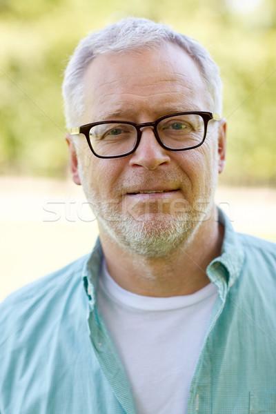 Altos hombre gafas aire libre vejez Foto stock © dolgachov