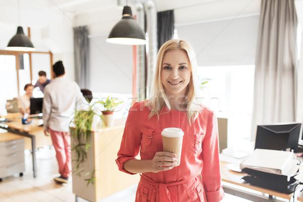 ストックフォト: 幸せ · 創造 · 女性 · コーヒーカップ · オフィス · ビジネス