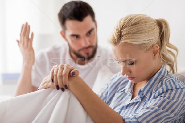 несчастный пару конфликт кровать домой люди Сток-фото © dolgachov