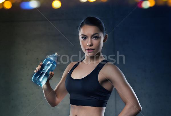Stockfoto: Vrouw · drinkwater · fles · gymnasium · fitness · sport