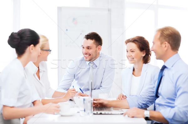 Foto stock: Equipe · de · negócios · reunião · escritório · negócio · trabalhando · comunicação