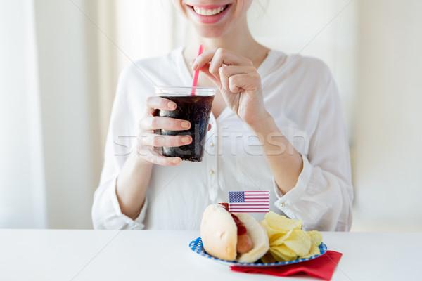 Mutlu kadın içme coca cola amerikan Stok fotoğraf © dolgachov