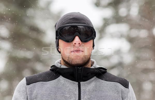 Sportok férfi síszemüveg tél kint fitnessz Stock fotó © dolgachov