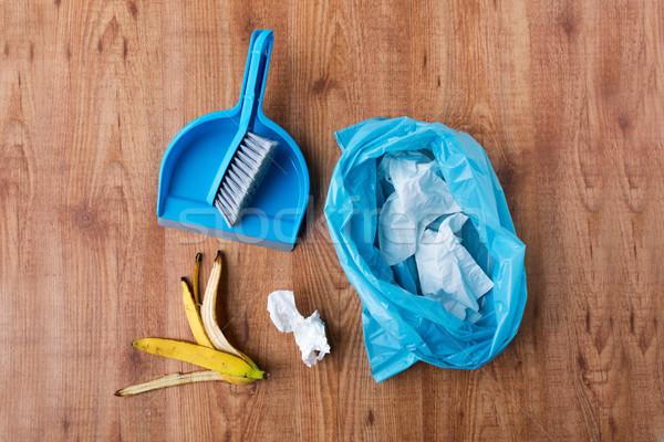 Onzin zak prullenbak schoonmaken home huishoudelijk werk Stockfoto © dolgachov