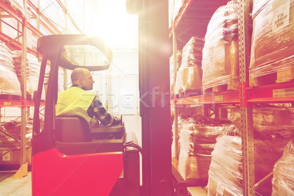 Stock fotó: Férfi · targonca · teher · raktár · nagybani · eladás · szállítmány