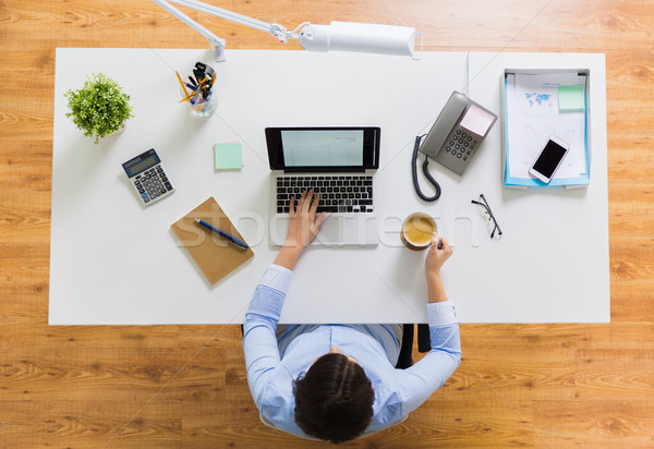 女性実業家 ノートパソコン コーヒー オフィス ビジネスの方々  技術 ストックフォト © dolgachov