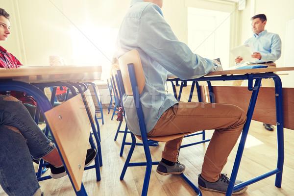 Csoport diákok tanár teszteredmények oktatás középiskola Stock fotó © dolgachov