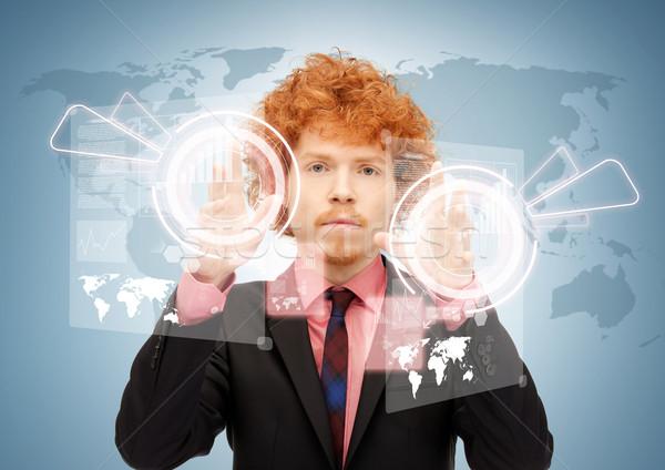 Empresario tocar virtual Screen Foto excéntrico Foto stock © dolgachov