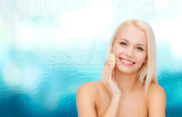 Bella donna spugna salute ragazza felice Foto d'archivio © dolgachov