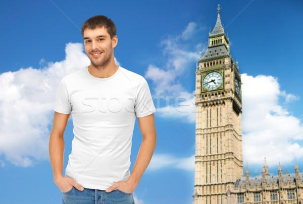 Szczęśliwy człowiek biały tshirt Big Ben podróży Zdjęcia stock © dolgachov