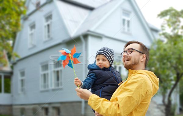 幸せ 父から息子 おもちゃ 屋外 家族 幼年 ストックフォト © dolgachov