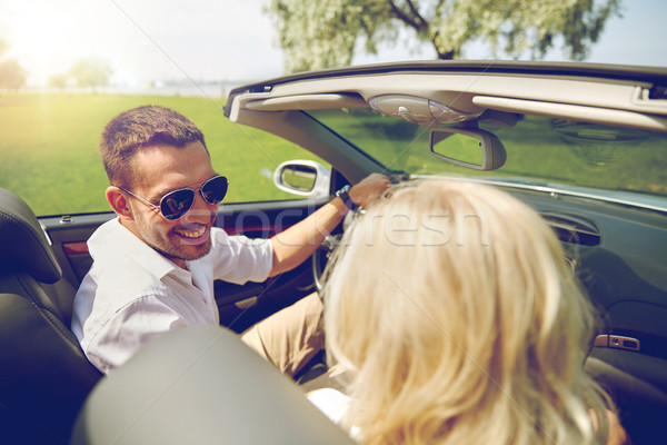 Gelukkig man vrouw rijden kabriolet auto Stockfoto © dolgachov