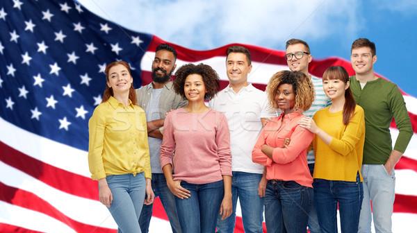 Internacional grupo de personas bandera de Estados Unidos diversidad carrera Foto stock © dolgachov