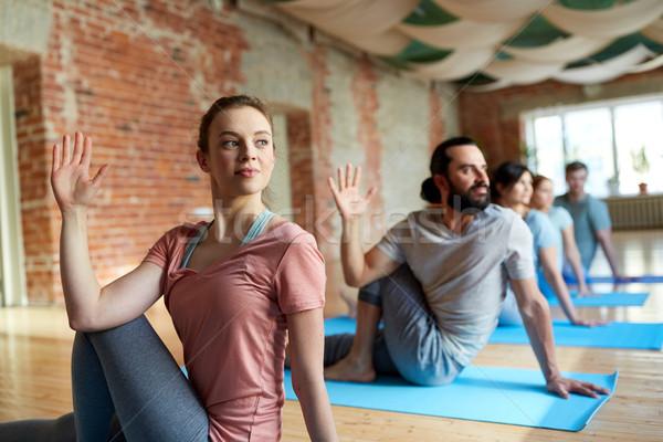 Grupy ludzi jogi studio fitness Zdjęcia stock © dolgachov