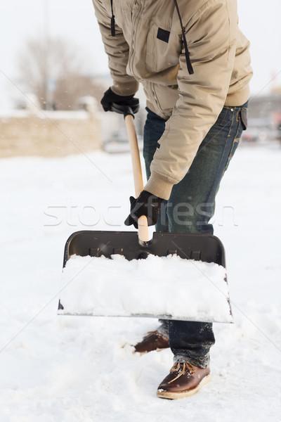Foto stock: Homem · neve · entrada · da · garagem · inverno · limpeza