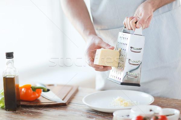 Männlich Hände Gitter Käse Kochen Stock foto © dolgachov