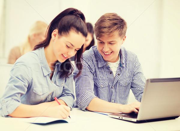 Studentów laptop notebooki szkoły edukacji technologii Zdjęcia stock © dolgachov