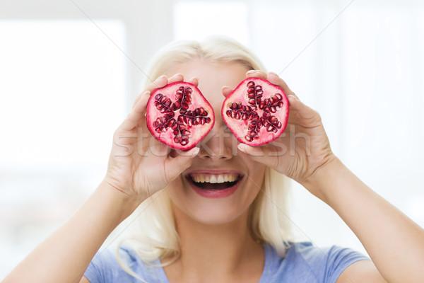 счастливым женщину глазах гранат Экологически чистые продукты питания Сток-фото © dolgachov